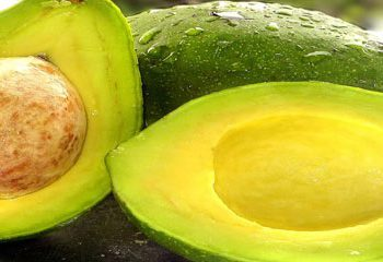 مصرف میوه آووکادو و کاهش احساس گرسنگی