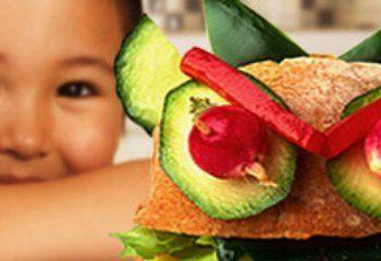 الگوی غذایی سالم در بهبود چاقی کودکان