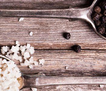 آیا باید نمک دریافتی خود را کاهش دهید؟ به جای آن، ادویههای تند را امتحان کنید