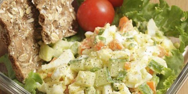 سالاد تخممرغ و سبزیجات