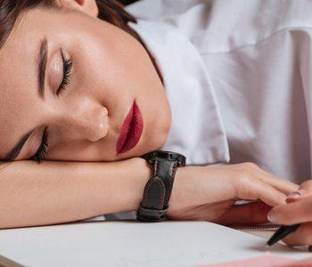 5 عاملی که سبب میشوند همیشه احساس خستگی داشته باشید