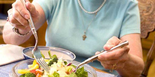 رژیم غذایی مناسب و نقش آن در سن شروع یائسگی در زنان