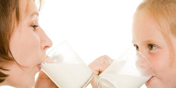 شیر از ابتلای کودکان به سندرم متابولیک پیشگیری میکند.